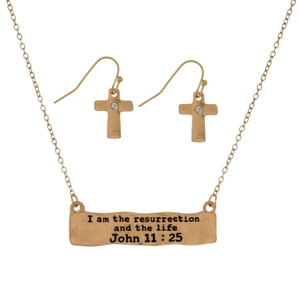 Dainty necklace set with a bar pendant stamped with a