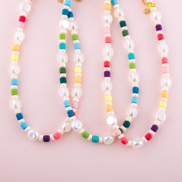 "Faux pearl color block beaded necklace.  - Approximately 14"" L  - 2.5"" extender"
