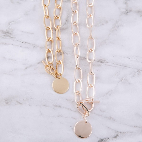 """Chunky chain link engravable pendant necklace with toggle bar clasp.  - Pendant approximately 1"""" in diameter - Approximately 18"""" in length"""