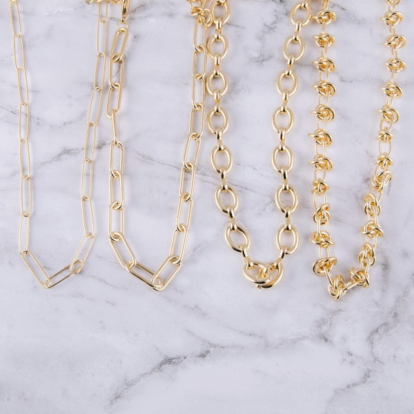 """Chunky gold chain linked necklace.  - Approximately 14"""" in length with 3"""" extender"""