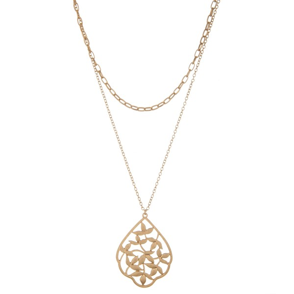 """Chain layered leaf filigree pendant necklace.  - Pendant approximately 2.25""""  - Shortest layer 14"""" L - Approximately 22"""" L with 3"""" extender"""
