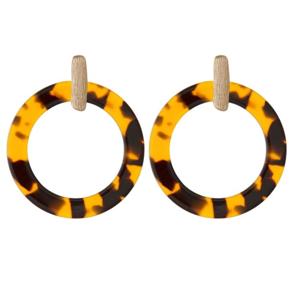 "Gold tone post earring with acetate circle shape. Approximately 1.5"" in length."