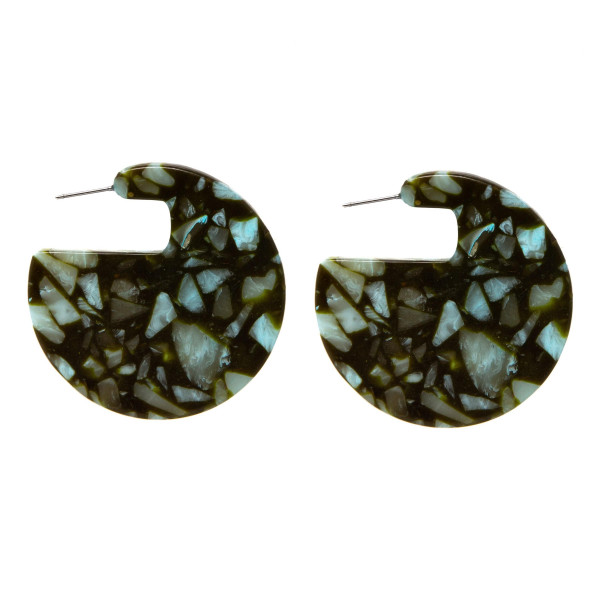 """Marbled synthetic stone stud earring with circle shape. Approximately 1.5"""" in length."""