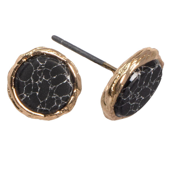 Gold tone stud earring with natural stone detail. Approximately 10mm in size.
