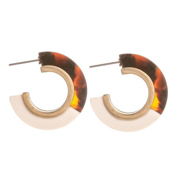 "Gorgeous short acetate hoop earrings. Approximate 1"" in diameter."