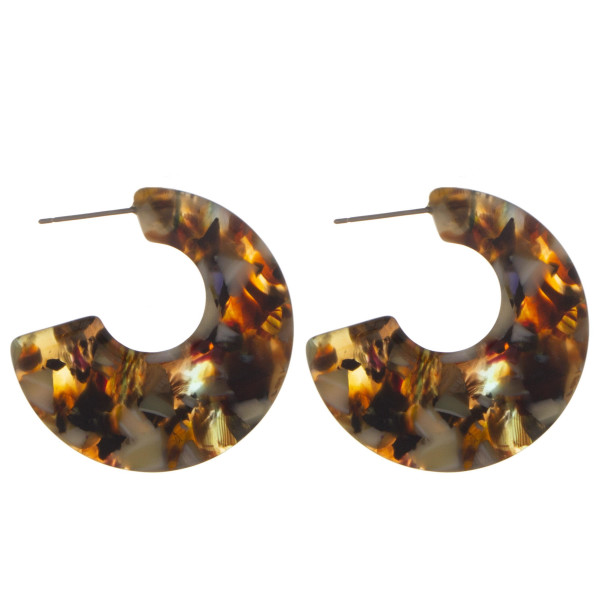 """Short earring with acetate mix designs. Approximate 1"""" in diameter."""