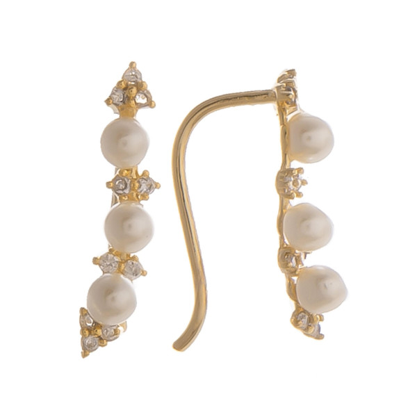 """Short earrings with pearl and rhinestones. Gorgeous for everyday wear. Approximate 1"""" in length."""