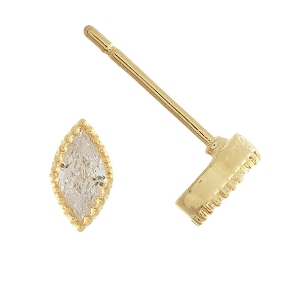 Grab these gorgeous stud earrings with rhinestones. Approximate 1cm.