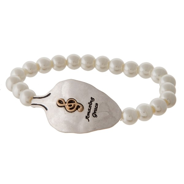 Pearl stretch bracelet with spoon focal.