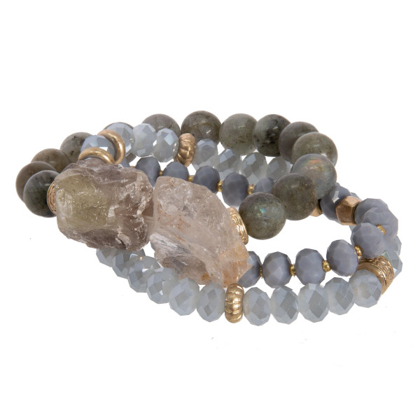 Beaded stretch bracelet with natural stone.