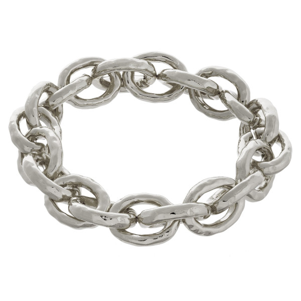 """Metal chain-linked bracelet. Approximate 7"""" in length."""