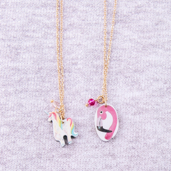 """Dainty cable chain anklet featuring a wood flamingo charm. Approximately 6"""" in diameter."""