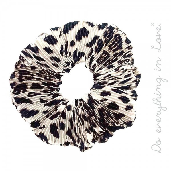 Do everything in Love brand pleated leopard print scrunchie.   - One size  - 100% Polyester