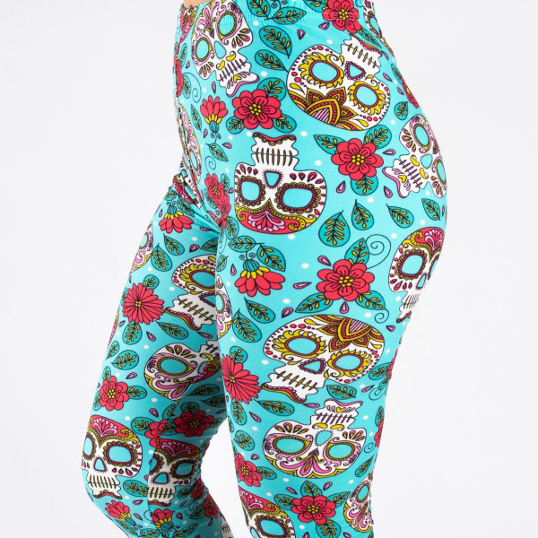 """Peach skin sugar skull print full-length leggings. Inseam approximately 26"""".  - One size fits most 0-14  - Composition: 92% Polyester, 8% Spandex/Elasthanne"""