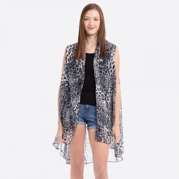 "Women's lightweight grey long leopard print vest.  - One size fits most 0-14 - Approximately 37"" L - 100% Polyester"