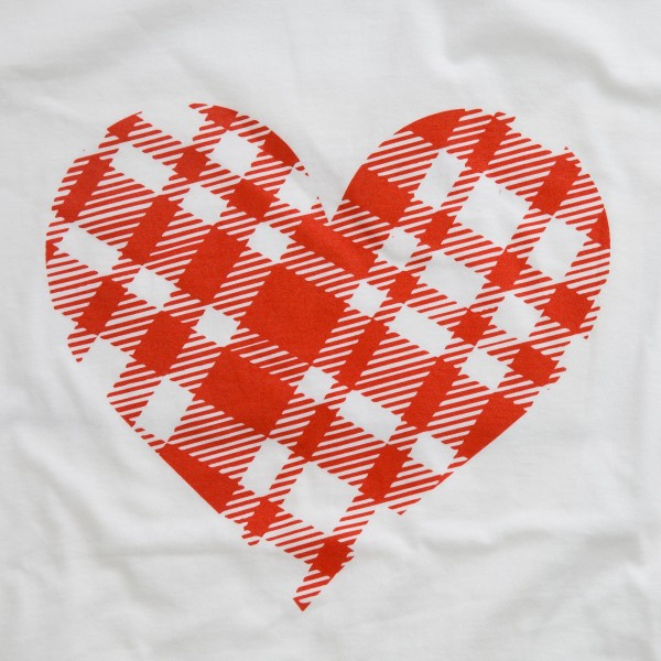 White Lightweight Anvil brand plaid heart Valentine screen printed boutique graphic tee.  - Pack Breakdown: 6pcs/pacl - Sizes: 1S / 2M / 2L / 1XL - 100% Cotton