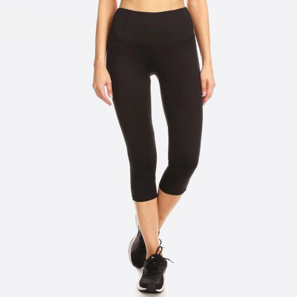 SOLID, CROPPED ATHLETIC SPORT LEGGINGS CAPRI WITH LACE PANEL DETAIL AND HIGH WAIST FIT.   SIZE:S-M-L-XL(1-2-2-1) PACKAGE:6PCS/PREPACK 92% POLYESTER  8% SPANDEX