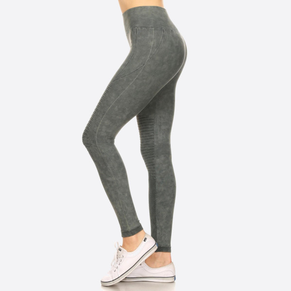 There's nothing better than a pair of soft, vintage wash, stretchy leggings. And this version features a moto design adds edgy appeal to your look for a sexy-sleek way to relax.   • Vintage Wash, Super Stretchy and Soft  • Moto Style Seaming  • Skinny Fit  • Pull-On Style  • Mid Rise  • Care:  • Imported   Composition: 94% Nylon, 6% Lycra   Pack Breakdown: 6pcs/pack. 2SM: 2ML: 2LXL