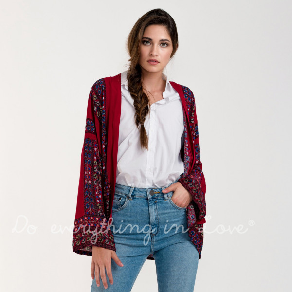 Long sleeve lightweight kimono with floral print. 100% viscose.   One size fits most.