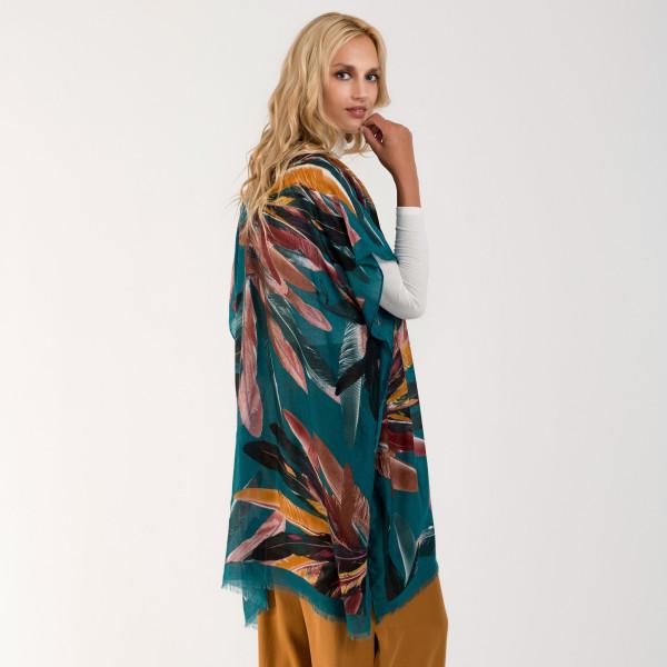 Feather print lightweight kimono. 100% polyester.