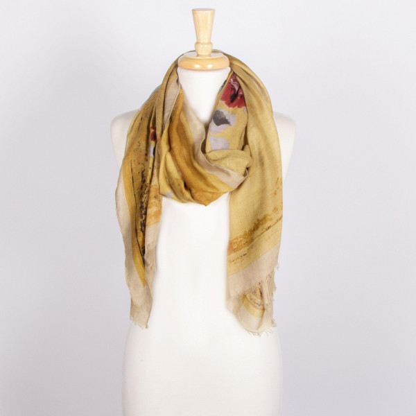 Lightweight floral printed scarf. 100% polyester.
