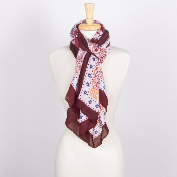 Lightweight scarf. 100% viscose.