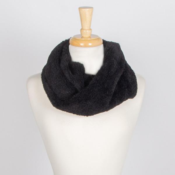 Faux fur infinity scarf. 100% acrylic.