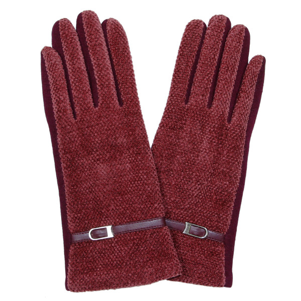 Chenille gloves with buckle detail. 60% cotton and 40% polyester.