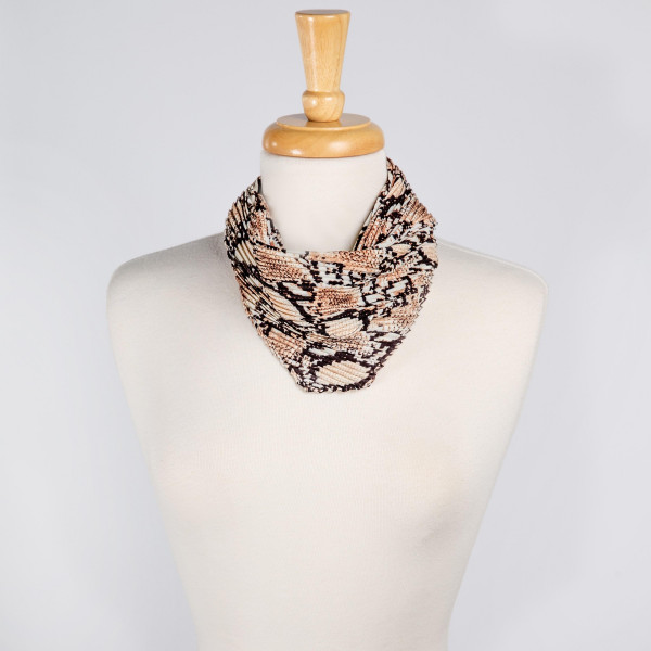 "Light weight animal printed scarf. Denimson: 27 1/2"" x 27 1/2""  100% POLYESTER"