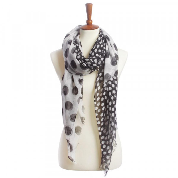 Polka dot printed scarf with sequins. 30%cotton 70%polyester