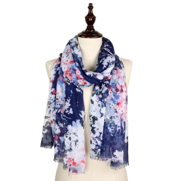 Flower print scarf with sequins. 100% polyester.
