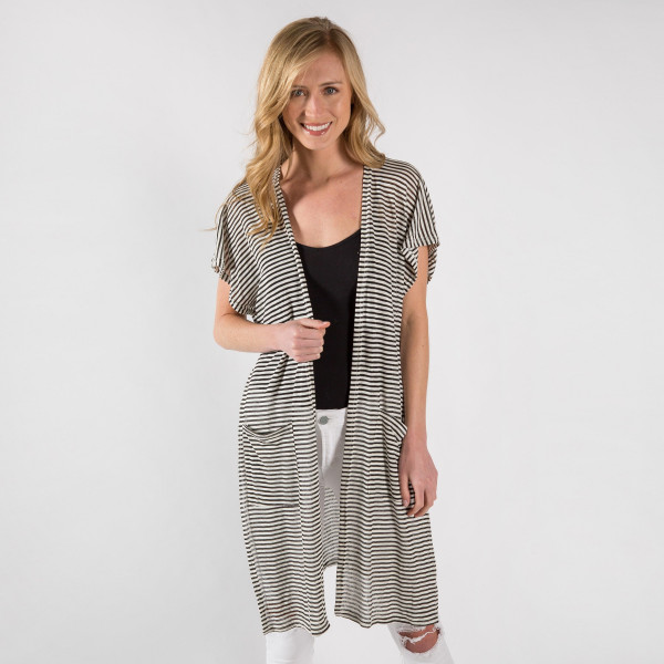 Long striped kimono with from pockets. 100% polyester.