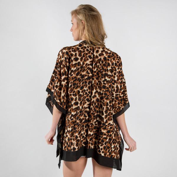 Lightweight animal print kimono. 100% Viscose.