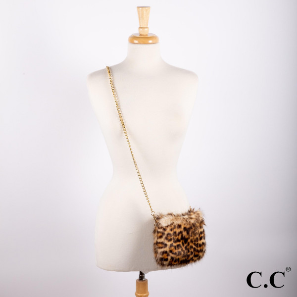 BG-812: Faux fur C.C leopard print cross body.