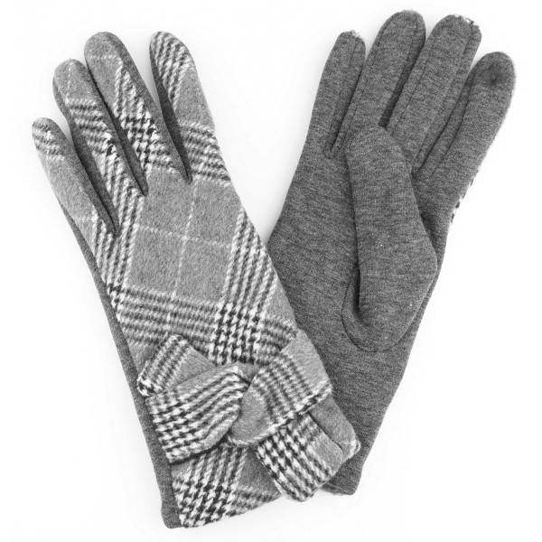 Knotted plaid smart touch gloves.  - One size fits most - 70% Polyester, 30% Cotton