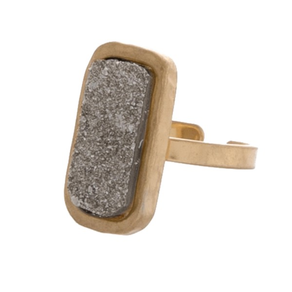 Adjustable druzy ring.  - Adjustable band  - Fits up to a size 8 ring