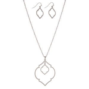 """Silver tone necklace set with a double quatrefoil pendant and matching earrings. Approximately 32"""" in length."""