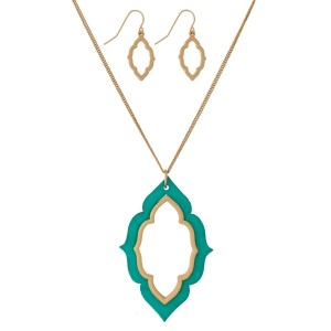 """Long, dainty necklace set with a wooden, moroccan shaped pendant and matching stud earrings. Approximately 32"""" in length."""