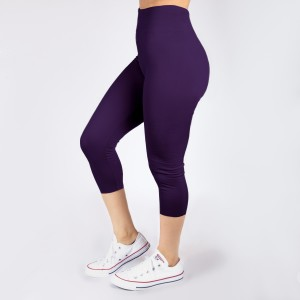 New Kathy / New Mix purple, summer-weight capris are seamless, chic, and a must-have for every wardrobe. These lightweight, interchangeable styles are versatile, perfect for layering, and available in many shades. Smooth fabric, 92% Nylon 8% Spandex. One size fits most, fits US women's 0-14.