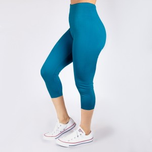 New Kathy / New Mix turquoise, summer-weight capris are seamless, chic, and a must-have for every wardrobe. These lightweight, interchangeable styles are versatile, perfect for layering, and available in many shades. Smooth fabric, 92% Nylon 8% Spandex. One size fits most, fits US women's 0-14.