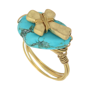 Gold tone wire wrapped ring featuring a turquoise stone with a cross focal. Size 8 only.