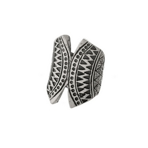 Burnished silver tone stretch ring with an Aztec print.