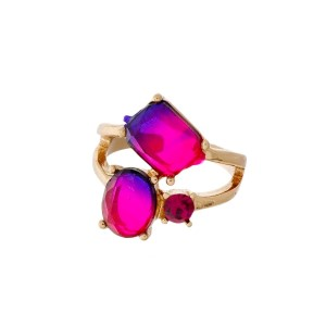 Gold tone ring with ombre shapes and rhinestones. Adjustable in size.