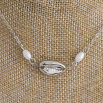 Wholesale short metal necklace pearls seashell details Approximate